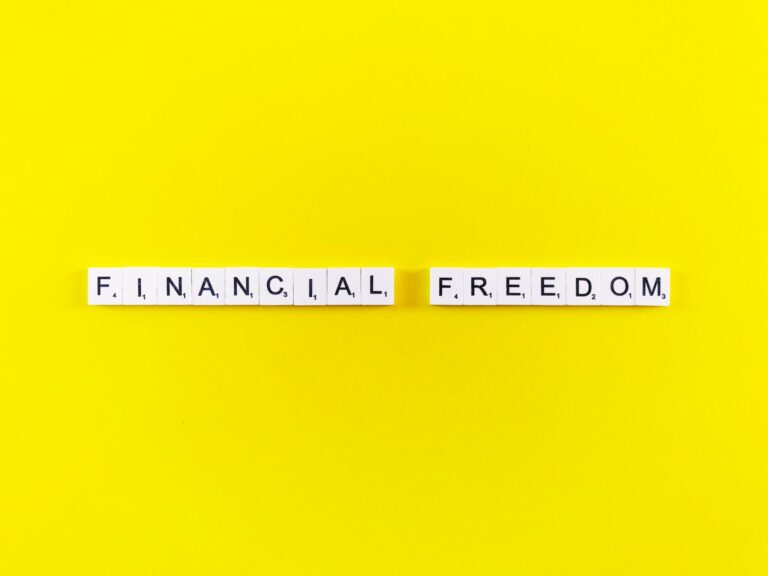 7 Steps to Actually Achieving Financial Freedom and Success